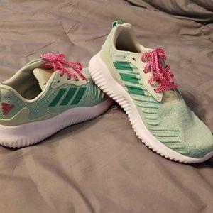 Kids size 5 1/2 Adidas running shoe EUC